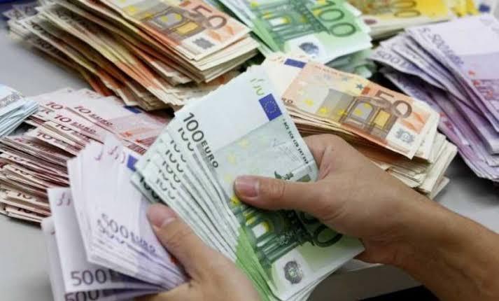 Çalışmayan Annelere Devlet 100 Euro Ödeme Yapacak